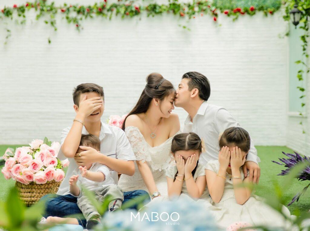 ý tưởng chụp ảnh gia đình ngày cưới