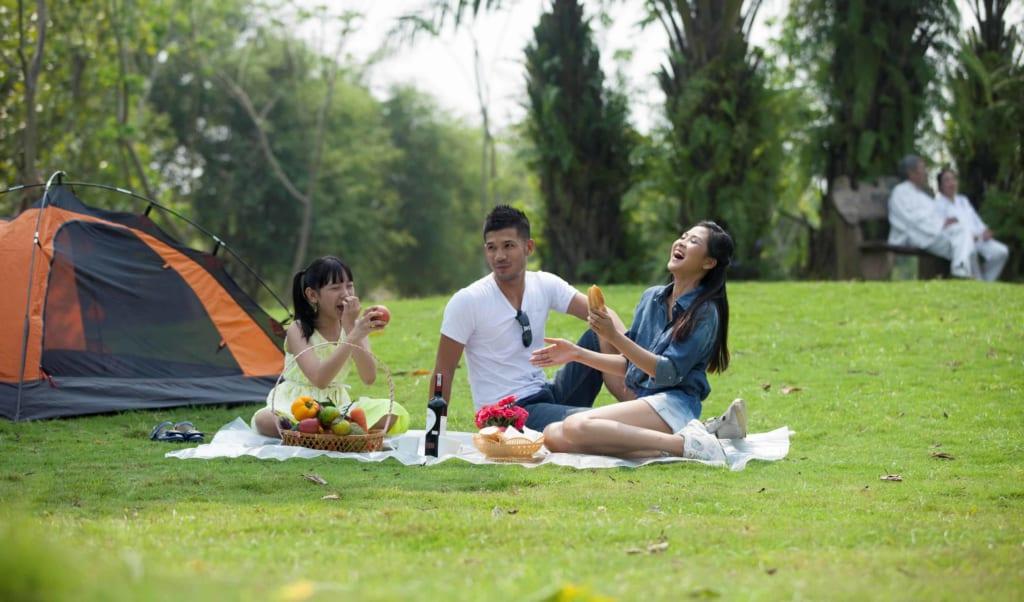 Kiểu chụp picnic tại công viên Gia Định