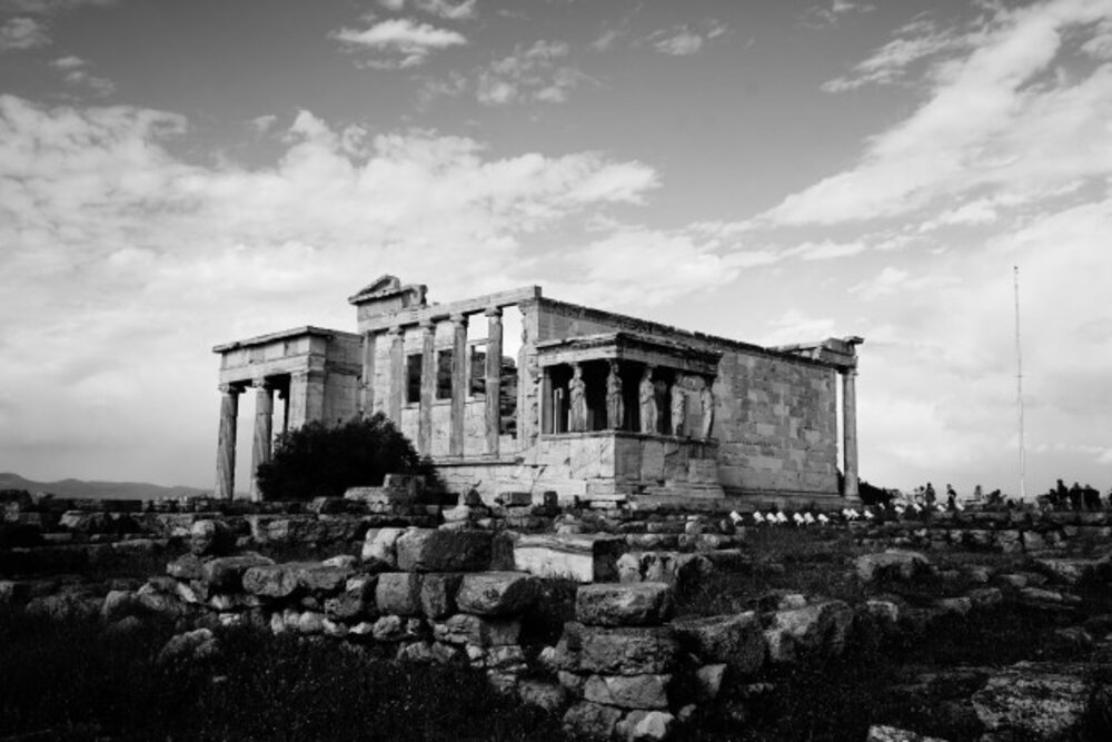 Tránh chụp hình ở nhà cổ, di tích lịch sử, nơi có niên đại lâu đời